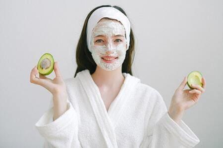9 эффективных домашних масок, которые сделают лицо молодым и сияющим