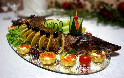 Как красиво украсить еду на Новый год - примеры, идеи, фото