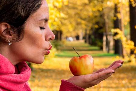 Витамины и минералы для женщин: 10 самых важных