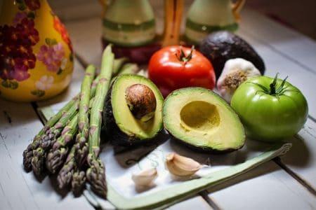 Лето и кожа: какие витамины нужно пить летом