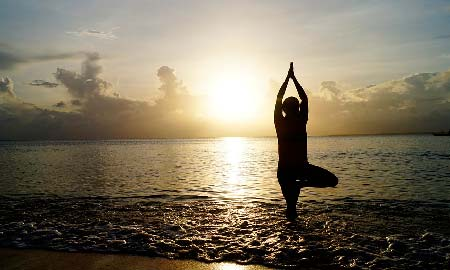йога польза и вред для женщин после 40 лет